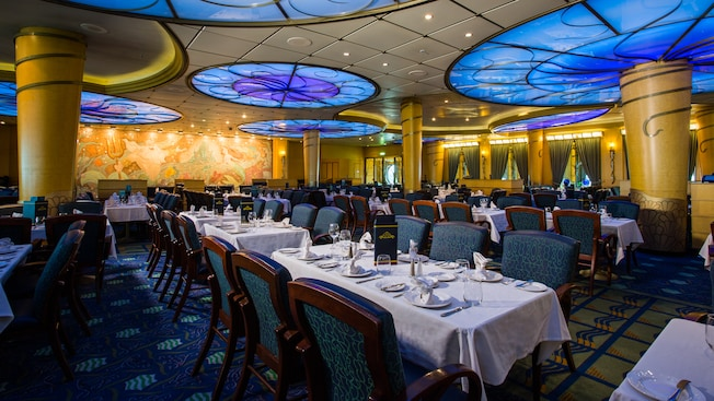 Disney Wonder Tritons Restaurante